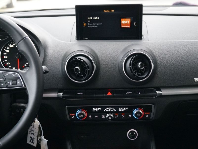 Audi A3 Sportback 1.0 TFSI 116 Argent occasion à Beaupuy - photo n°8