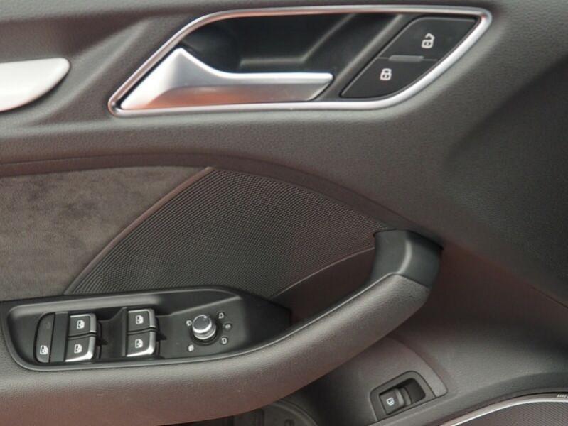 Audi A3 Sportback 1.4 TFSI 204CH E-TRON S LINE S TRONIC 6 Blanc occasion à Villenave-d'Ornon - photo n°8