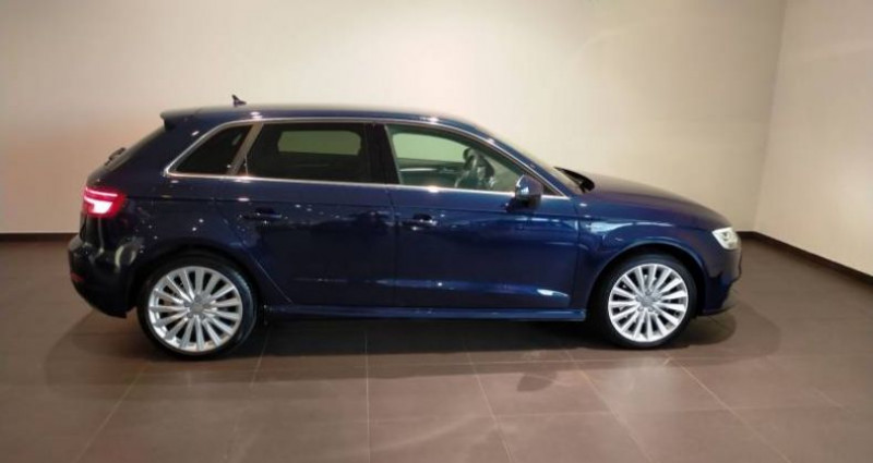 Audi A3 Sportback 1.4 TFSI e-tron 204 S tronic 6 Design Luxe Bleu occasion à Chenove - photo n°2