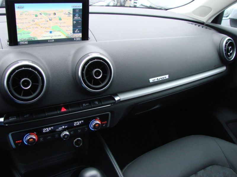 Audi A3 Sportback 1.4 TFSI e-tron S Tronic 204 Gris occasion à Beaupuy - photo n°7