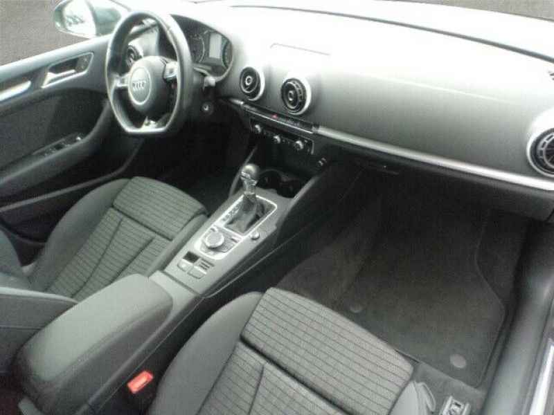 Audi A3 Sportback 1.5 TFSI 150 S Tronic Gris occasion à Beaupuy - photo n°4