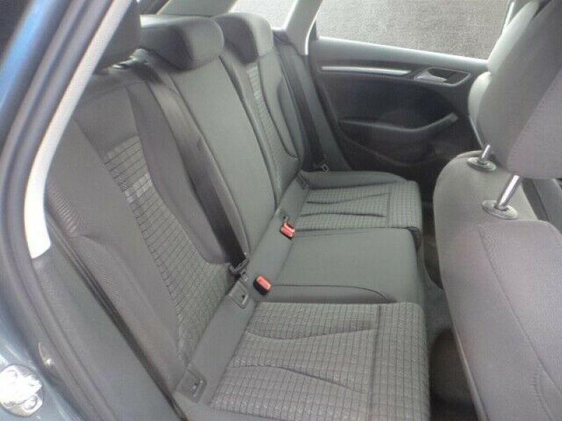 Audi A3 Sportback 1.5 TFSI 150 S Tronic Gris occasion à Beaupuy - photo n°5