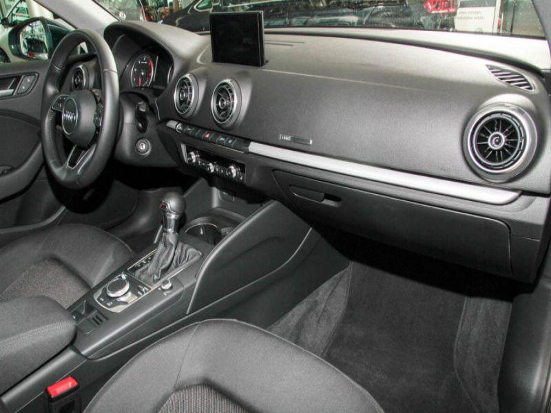 Audi A3 Sportback 1.6 TDI 110 S Tronic Bleu occasion à Beaupuy - photo n°7