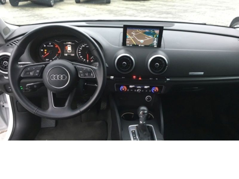 Audi A3 Sportback 1.6 TDI 110 S Tronic Blanc occasion à Beaupuy - photo n°2