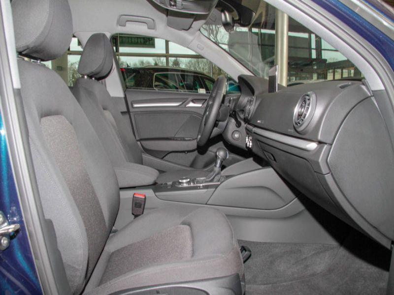 Audi A3 Sportback 1.6 TDI 110 S Tronic Bleu occasion à Beaupuy - photo n°4
