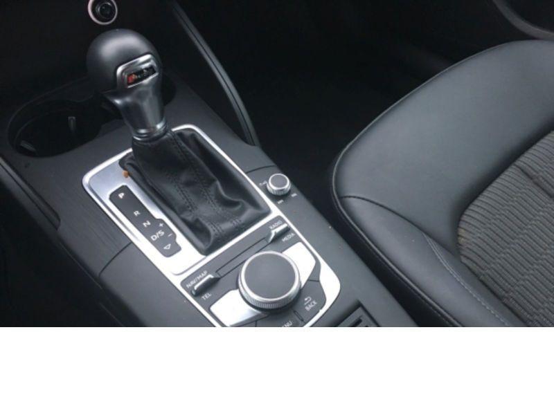 Audi A3 Sportback 1.6 TDI 110 S Tronic Blanc occasion à Beaupuy - photo n°8