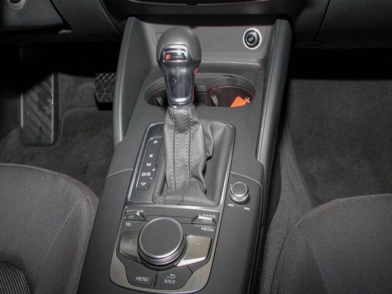 Audi A3 Sportback 1.6 TDI 110 S Tronic Bleu occasion à Beaupuy - photo n°8