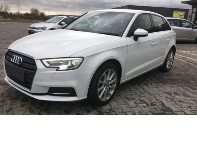 Audi A3 Sportback 1.6 TDI 110 S Tronic Blanc occasion à Beaupuy
