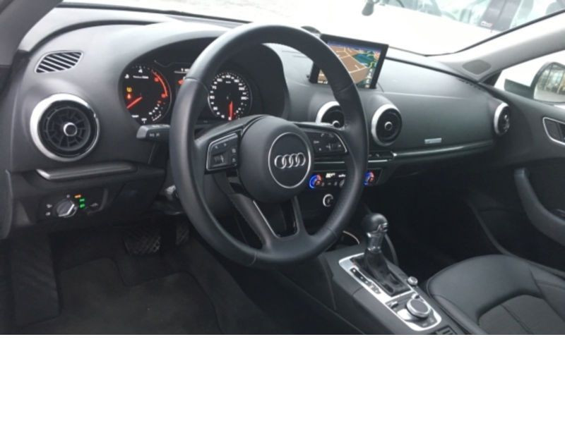Audi A3 Sportback 1.6 TDI 110 S Tronic Blanc occasion à Beaupuy - photo n°7
