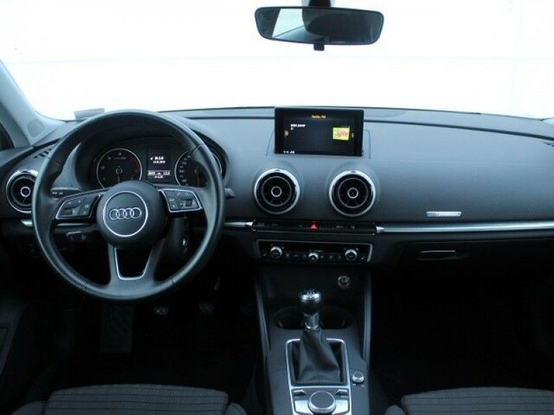 Audi A3 Sportback 1.6 TDI 110 Blanc occasion à Beaupuy - photo n°2