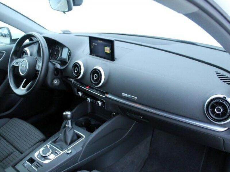 Audi A3 Sportback 1.6 TDI 110 Blanc occasion à Beaupuy - photo n°8