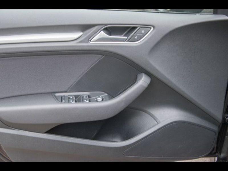 Audi A3 Sportback 1.6 TDI 110 Noir occasion à Beaupuy - photo n°5