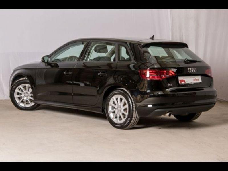 Audi A3 Sportback 1.6 TDI 110 Noir occasion à Beaupuy - photo n°3