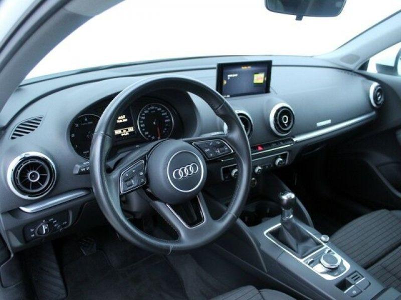 Audi A3 Sportback 1.6 TDI 110 Blanc occasion à Beaupuy - photo n°9
