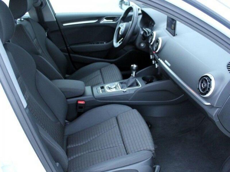 Audi A3 Sportback 1.6 TDI 110 Blanc occasion à Beaupuy - photo n°7