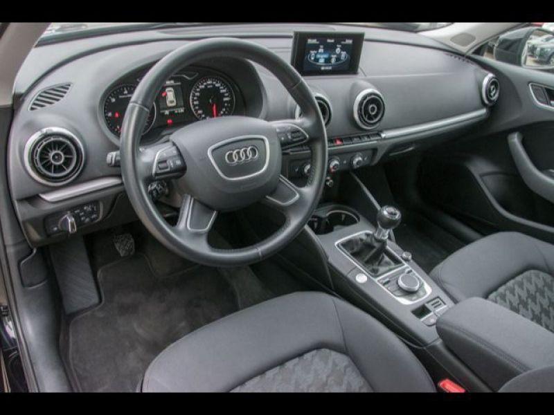 Audi A3 Sportback 1.6 TDI 110 Noir occasion à Beaupuy - photo n°4