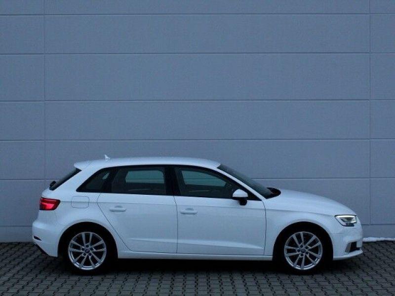 Audi A3 Sportback 1.6 TDI 110 Blanc occasion à Beaupuy - photo n°5