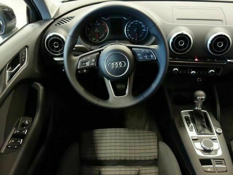 Audi A3 Sportback 1.6 TDI 116CH S LINE S TRONIC 7 Noir occasion à Villenave-d'Ornon - photo n°7