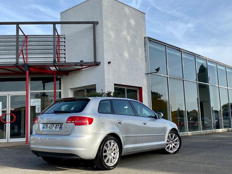 Audi A3 Sportback 2.0 TDI 140ch Ambiente Gris occasion à Castelmaurou - photo n°2