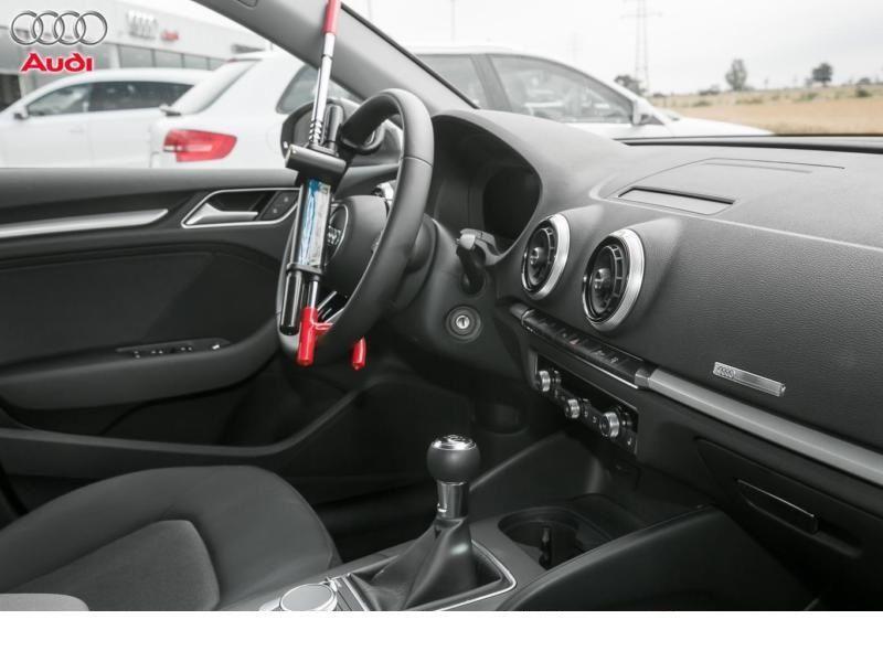 Audi A3 Sportback 2.0 TDI 150 Gris occasion à Beaupuy - photo n°2