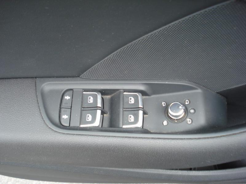 Audi A3 Sportback 2.0 TDI 150ch Design quattro Bleu occasion à Aurillac - photo n°7