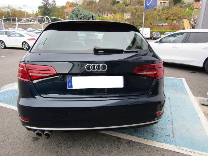 Audi A3 Sportback 2.0 TDI 150ch S line S tronic 7 Bleu occasion à Millau - photo n°11
