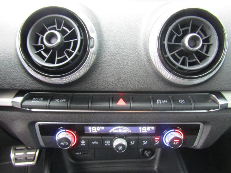 Audi A3 Sportback 2.0 TDI 150ch S line S tronic 7 Bleu occasion à Millau - photo n°7