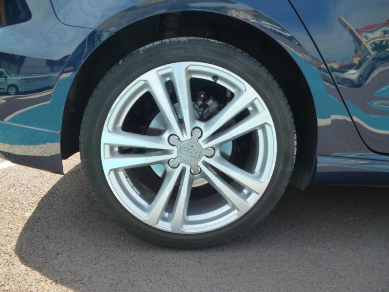 Audi A3 Sportback 30 TDI 116 S tronic 7 Sport Bleu occasion à BAYEUX - photo n°9