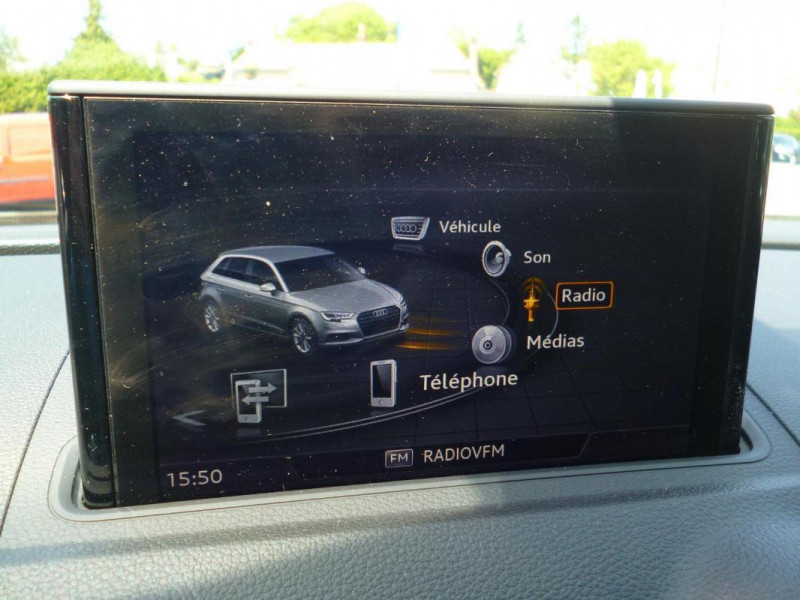 Audi A3 Sportback 30 TDI 116 S tronic 7 Sport Bleu occasion à BAYEUX - photo n°10