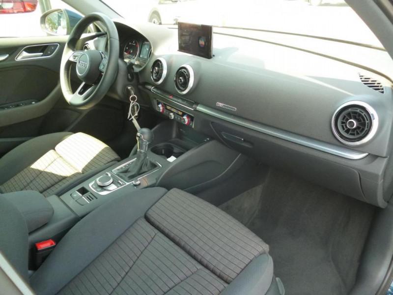 Audi A3 Sportback 30 TDI 116 S tronic 7 Sport Bleu occasion à BAYEUX - photo n°6
