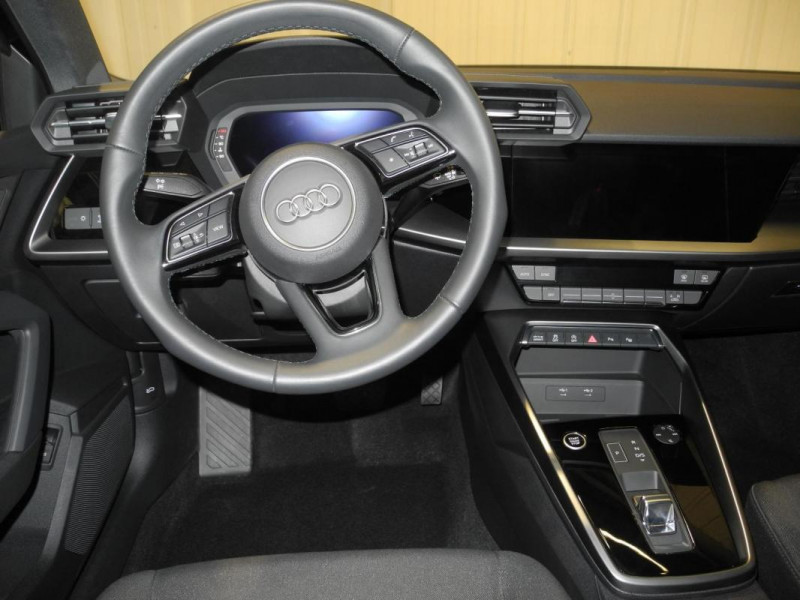 Audi A3 Sportback 30 TFSI 110 S tronic 7 Design Bleu occasion à AURAY - photo n°5