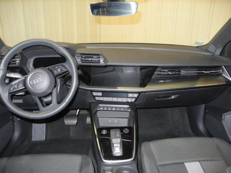 Audi A3 Sportback 30 TFSI 110 S tronic 7 Design Bleu occasion à AURAY - photo n°7