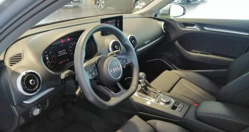 Audi A3 Sportback 35 TDI 150 S tronic 7 Design Luxe Gris occasion à Saint-Ouen - photo n°5