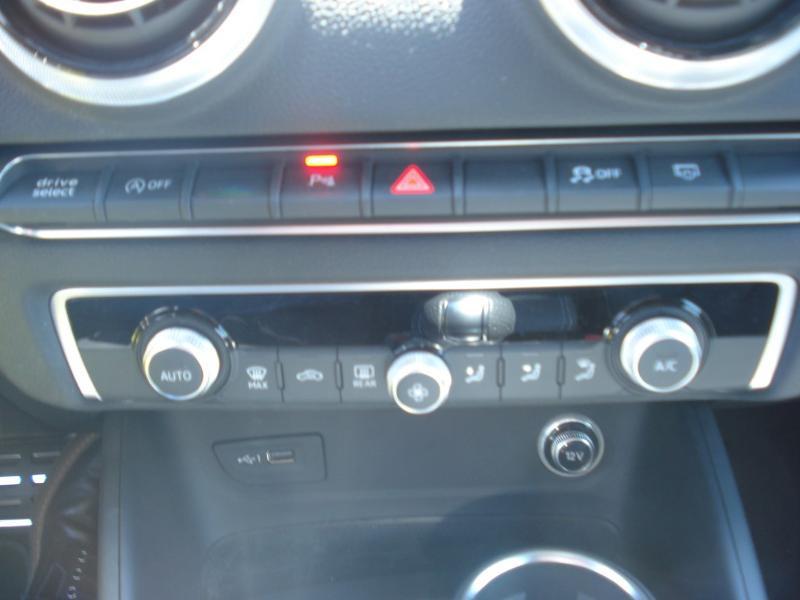 Audi A3 Sportback 35 TDI 150ch S line Plus S tronic 7 Argent occasion à Aurillac - photo n°14