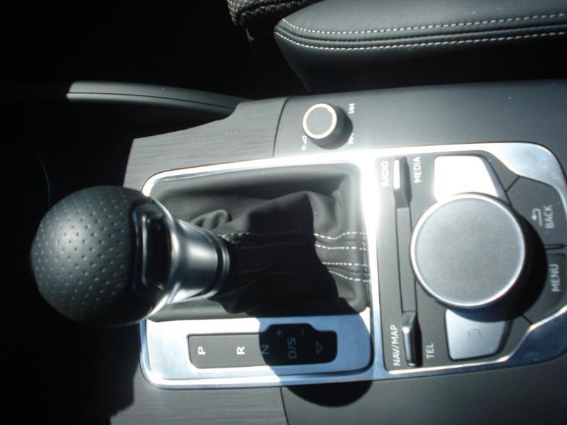 Audi A3 Sportback 35 TDI 150ch S line Plus S tronic 7 Argent occasion à Aurillac - photo n°15