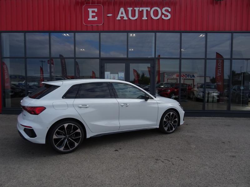 Audi A3 Sportback 35 TDI 150ch S line S tronic 7 Blanc occasion à Barberey-Saint-Sulpice - photo n°2