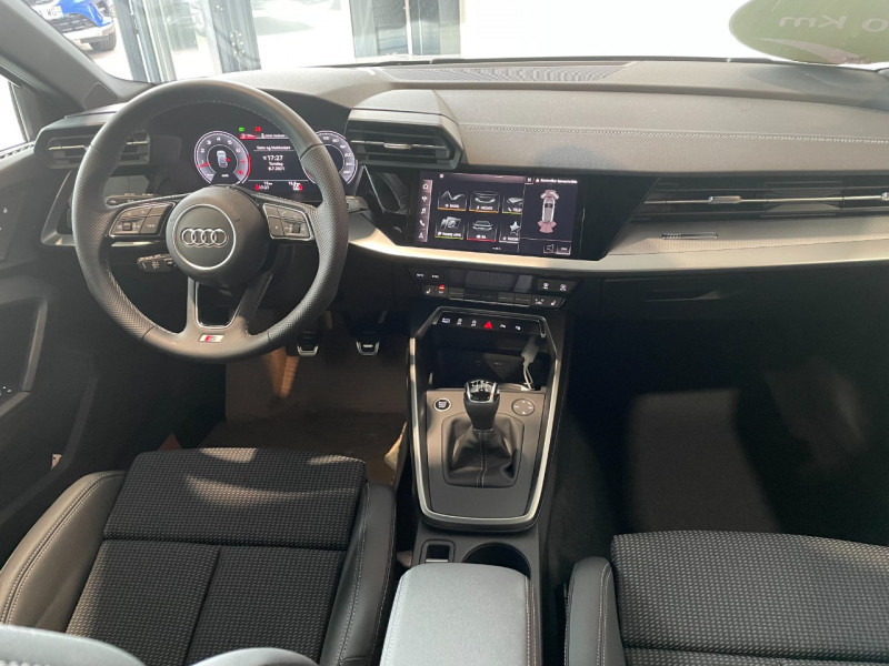 Audi A3 Sportback 35 TFSI 150CH COD S LINE Blanc occasion à Foix - photo n°8