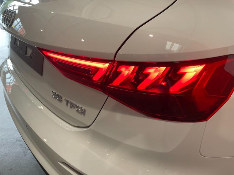 Audi A3 Sportback 35 TFSI 150CH COD S LINE Blanc occasion à Foix - photo n°6