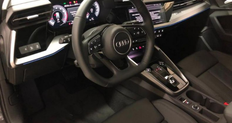 Audi A3 Sportback 35 TFSI 150ch Design Luxe S tronic 7 Gris occasion à Chambourcy - photo n°4