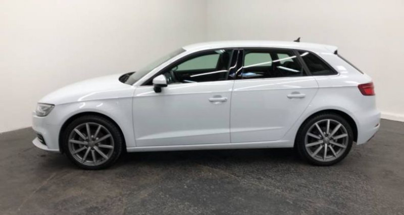 Audi A3 Sportback 35 TFSI CoD 150 S tronic 7 Design Luxe Blanc occasion à AHUY - photo n°4