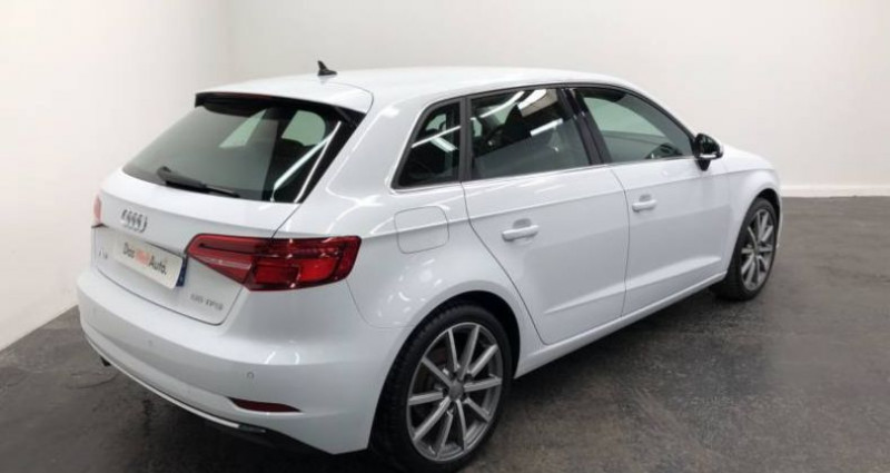 Audi A3 Sportback 35 TFSI CoD 150 S tronic 7 Design Luxe Blanc occasion à AHUY - photo n°3