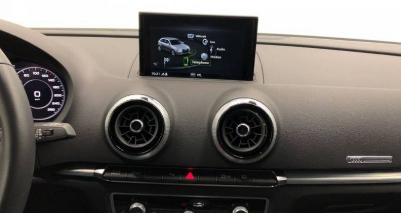 Audi A3 Sportback 35 TFSI CoD 150 S tronic 7 Design Luxe Blanc occasion à AHUY - photo n°6