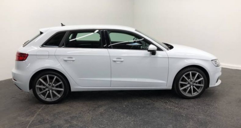 Audi A3 Sportback 35 TFSI CoD 150 S tronic 7 Design Luxe Blanc occasion à AHUY - photo n°2