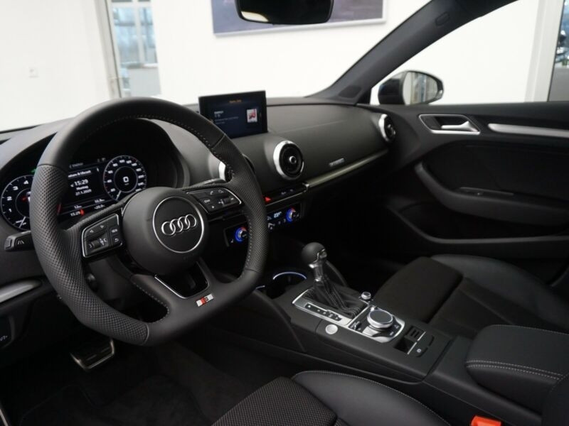 Audi A3 Sportback 40 E-TRON 204CH S TRONIC 6 EURO6D-T Noir occasion à Villenave-d'Ornon - photo n°4