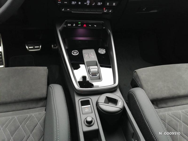 Audi A3 Sportback A3 Sportback 40 TFSIe 204 S Tronic 6S Line Blanc occasion à Brie-Comte-Robert - photo n°11