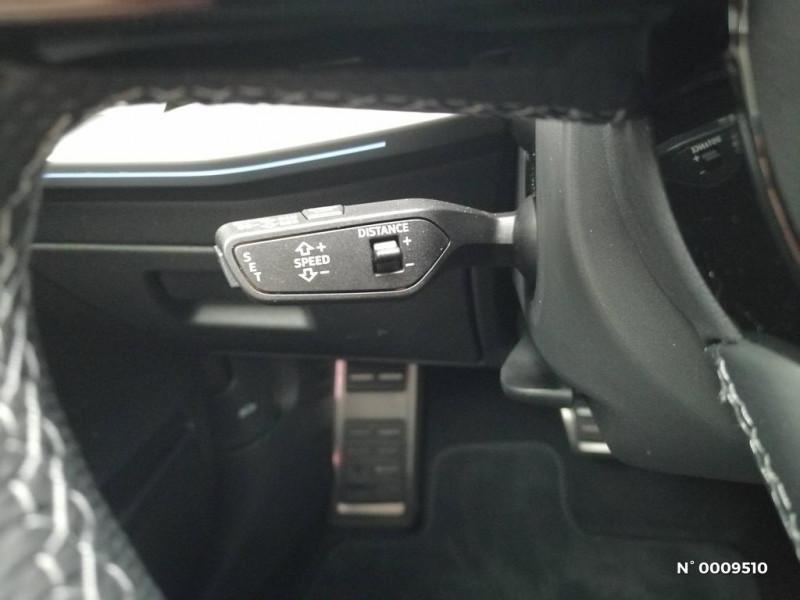 Audi A3 Sportback A3 Sportback 40 TFSIe 204 S Tronic 6S Line Blanc occasion à Brie-Comte-Robert - photo n°17