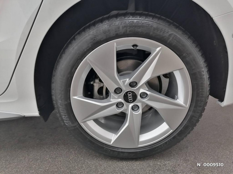 Audi A3 Sportback A3 Sportback 40 TFSIe 204 S Tronic 6S Line Blanc occasion à Brie-Comte-Robert - photo n°7