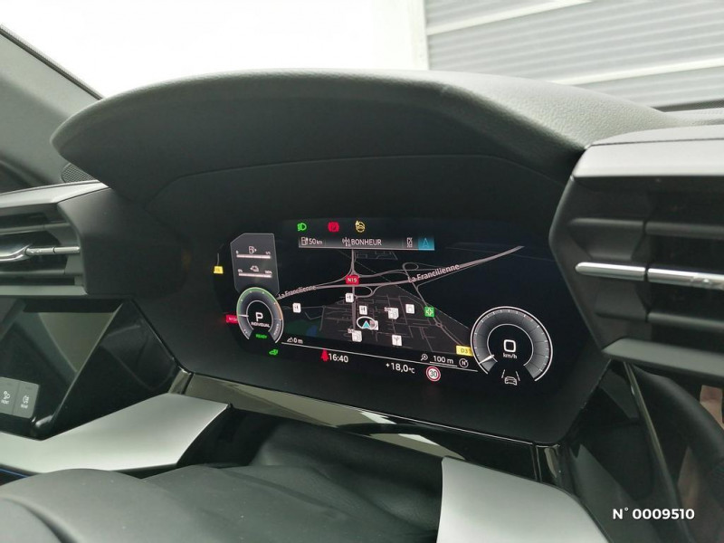 Audi A3 Sportback A3 Sportback 40 TFSIe 204 S Tronic 6S Line Blanc occasion à Brie-Comte-Robert - photo n°16