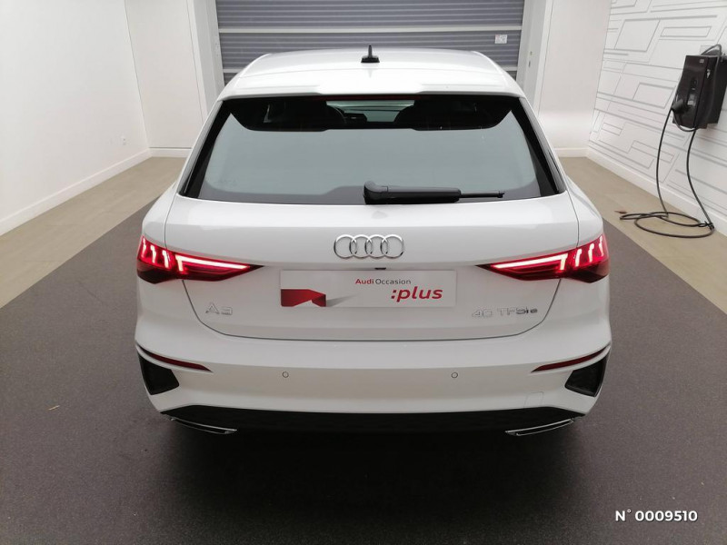 Audi A3 Sportback A3 Sportback 40 TFSIe 204 S Tronic 6S Line Blanc occasion à Brie-Comte-Robert - photo n°2