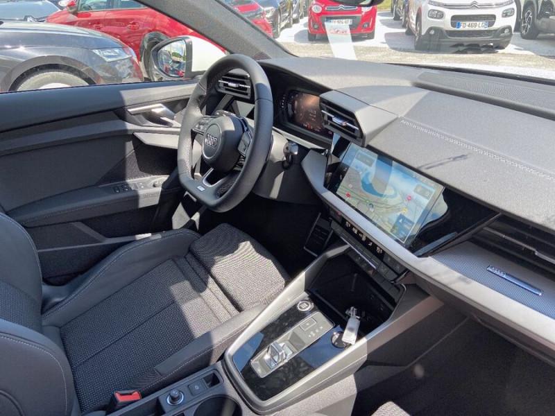 Audi A3 Sportback NEW 35 TDI 150 S TRONIC S LINE GPS Pack Esthétique Noir Blanc occasion à Montauban - photo n°9